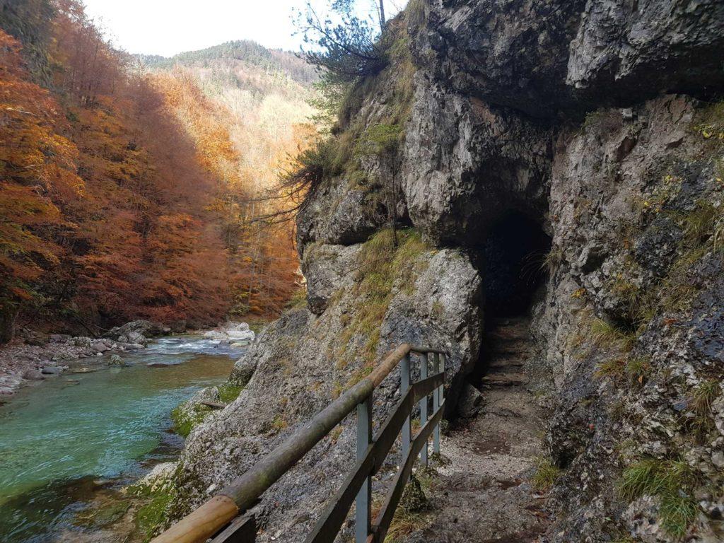 Handgegrabener Tunnel, Slizza Schlucht in Tarvis, © Elisabeth Pfeifhofer